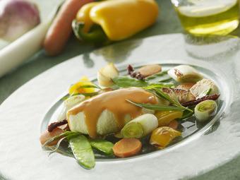 Quenelles à la bisque de homard et sa farandole de légumes