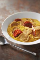 Velouté de carottes, chips de chorizo et suprêmes soufflés volaille morilles rôtis