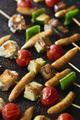 Recette : Brochettes de lotte aux légumes et soufflettes légumes