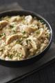 Recette : Risotto aux quenelles forestières, oignons et fromage de chèvre