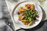 Recette : Salade de mache roquette et mini quenelles à poêler