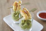Recette : Verrine de guacamole et quenelle poêlée à l'aigre doux (apéritif)